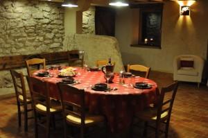 La salle à manger dans l'ancienne étable